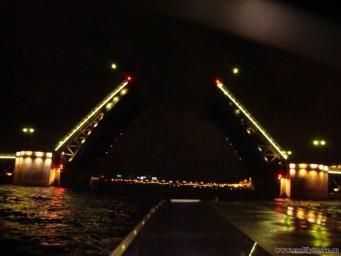 Разводной мост...