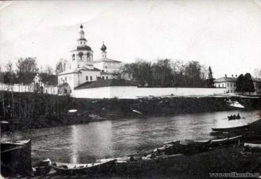 Святотроицкий мужской монастырь.. Фото 19 века