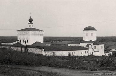 Святотроицкий мужской монастырь.. Фото 20 века