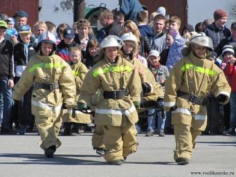 Немного фото с показа пожарной техники - новое поколение