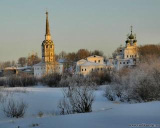 Центр Соликамска со стороны зимней Усолки