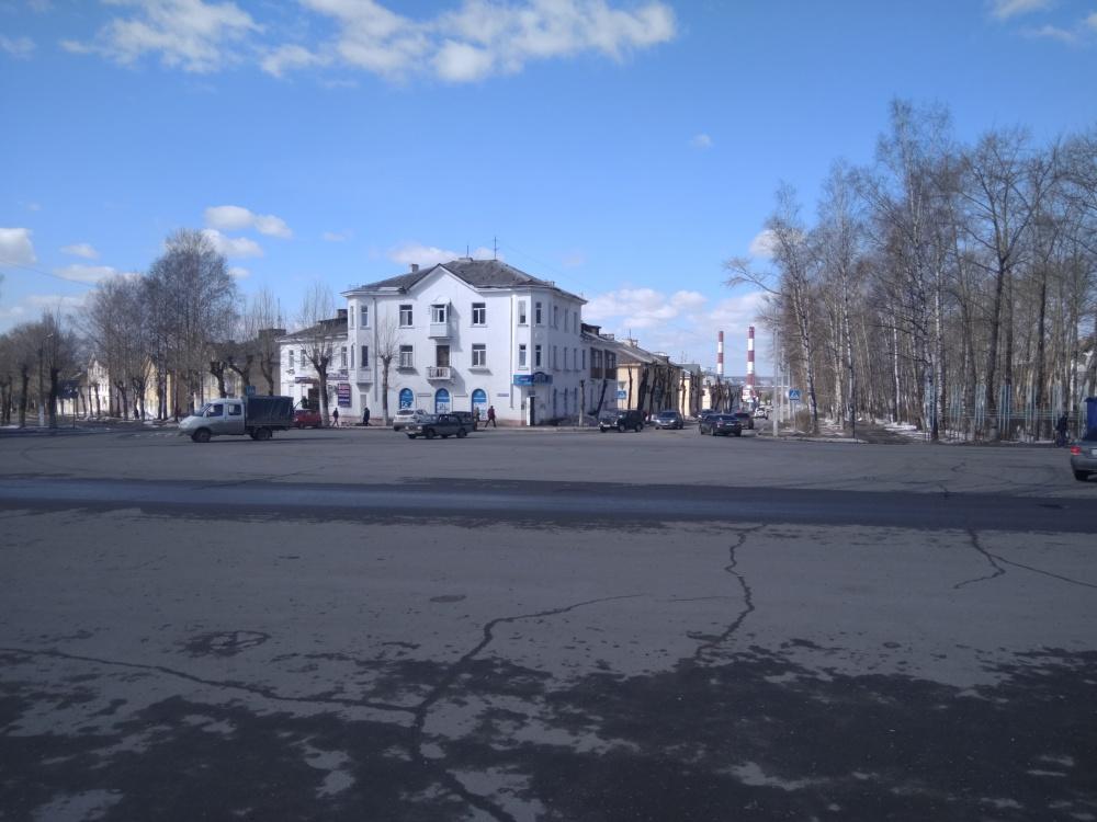 Площадь у ДК Ленина