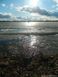 тают льды весною