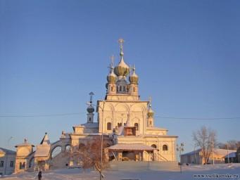 Троицкий Собор в лучах январского солнца