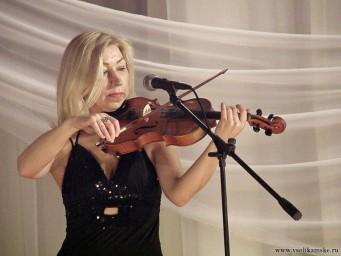 Играла скрипка...
