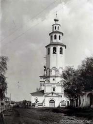 Колокольня Богоявленской церкви в 19 веке.