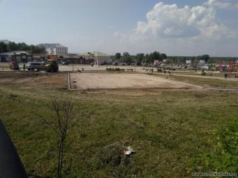 Работы по установке нового детского городка продолжаются