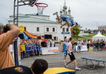 Летающие баскетболисты..12878