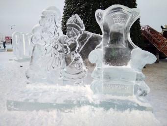 Ледяные Дед Мороз и Снегурочка