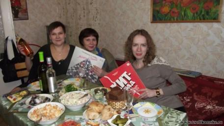 Вот он самый смак ретро-вечеринки: будем слушать пластинки))