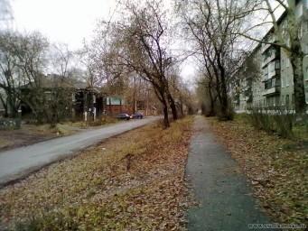 Улица Коммунаров днём.