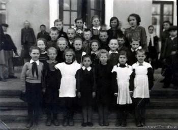 """Боровск (Соликамск), школа №4, 2 """"б"""" класс, 1953 год."""