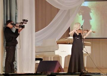 Играла скрипка... Елена Пирожникова, преподаватель ДШИ