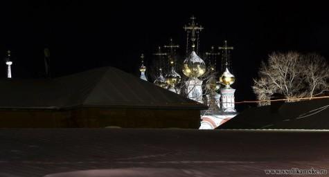 Купола в ночи