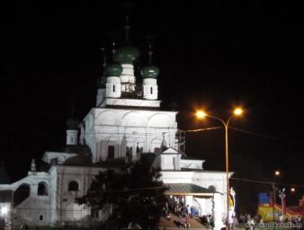 Троицкий Собор ночью