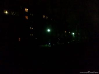 Освещение внутреннего двора ночью