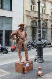 памятник первому туристу-ковбою
