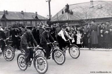 Первомайская демонстрация 1957 г. ул. Сталина